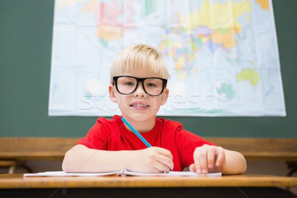 Aranyos mosolyog kamera osztályterem asztal általános iskola Stock fotó © wavebreak_media