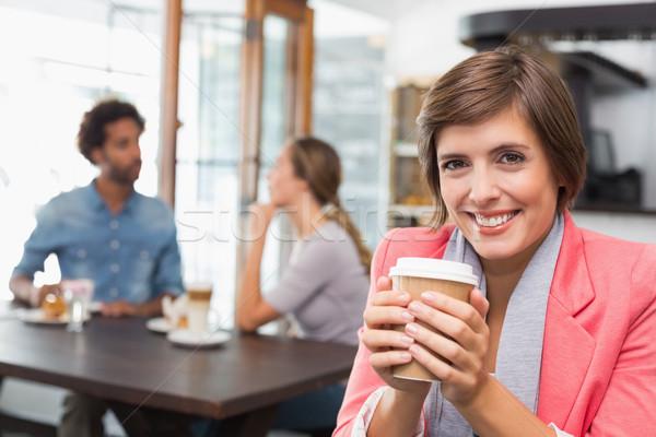Csinos barna hajú élvezi kávé kávéház férfi Stock fotó © wavebreak_media
