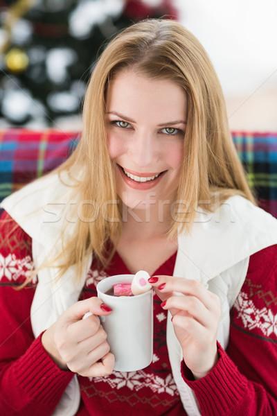 Gülen kış elbise kupa Stok fotoğraf © wavebreak_media