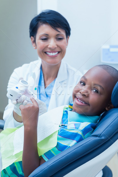 Sorridente menino espera dental exame retrato Foto stock © wavebreak_media