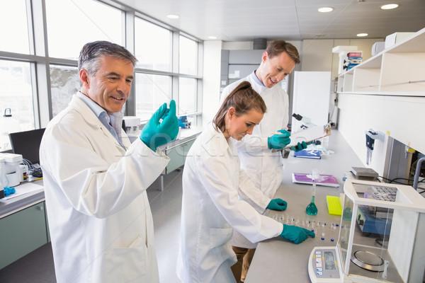 Takım bilim adamları laboratuvar okul tıbbi Stok fotoğraf © wavebreak_media