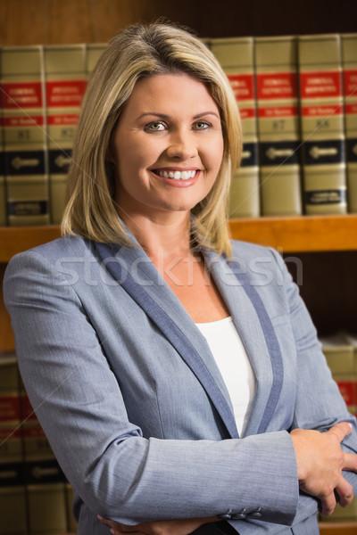 Advocaat glimlachend camera recht bibliotheek universiteit Stockfoto © wavebreak_media