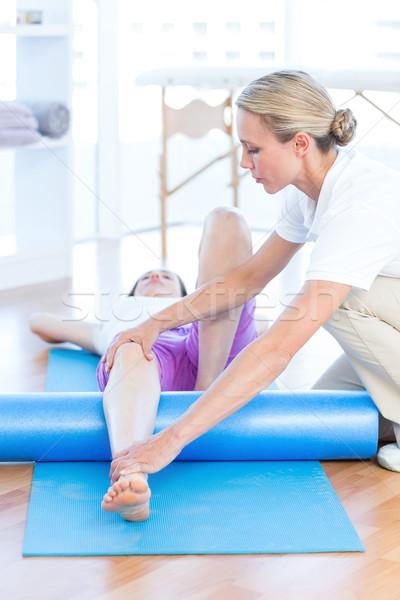 Stok fotoğraf: çalışma · kadın · egzersiz · tıbbi · ofis