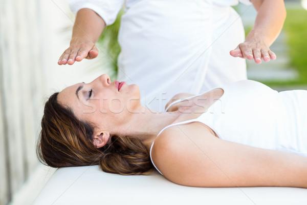 Kobieta reiki leczenie skóry Zdjęcia stock © wavebreak_media