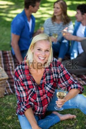 Fitt nő megnyugtató csizma tábor portré Stock fotó © wavebreak_media
