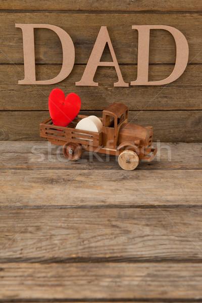 Baba metin kalp şekli oyuncak kamyon ahşap masa Stok fotoğraf © wavebreak_media