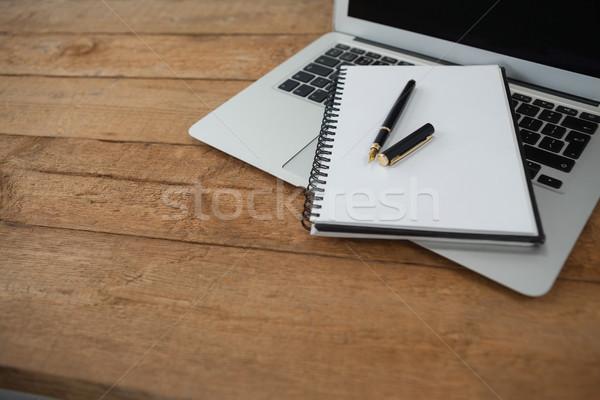 Laptop toll napló fából készült számítógép könyv Stock fotó © wavebreak_media