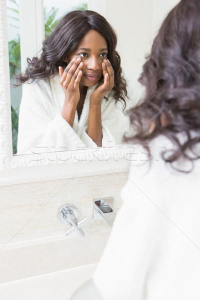 Nő bőr fürdőszoba tükröződés tükör arc Stock fotó © wavebreak_media