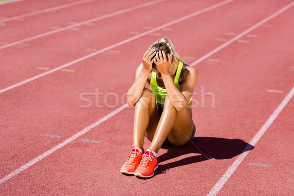 расстраивать женщины спортсмена сидят работает трек Сток-фото © wavebreak_media