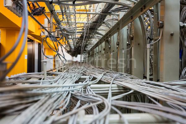 Cabo fios servidor armário quarto Foto stock © wavebreak_media