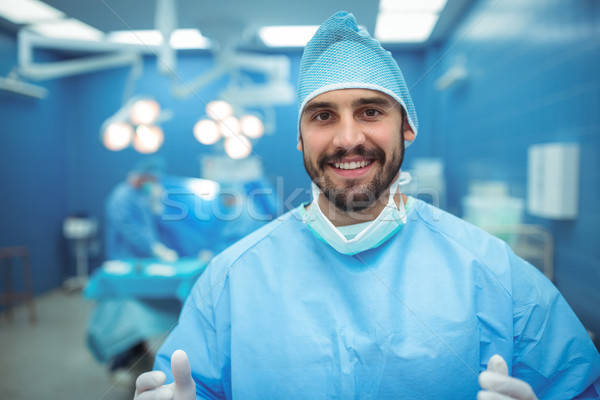 ストックフォト: 肖像 · 男性 · 外科医 · 笑みを浮かべて · 操作 · 劇場