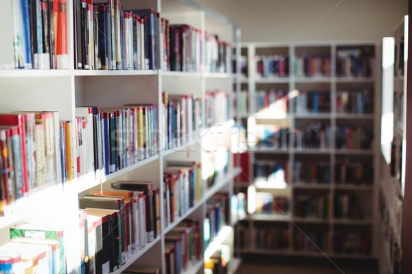 Różny książek półka na książki biblioteki szkoły meble Zdjęcia stock © wavebreak_media