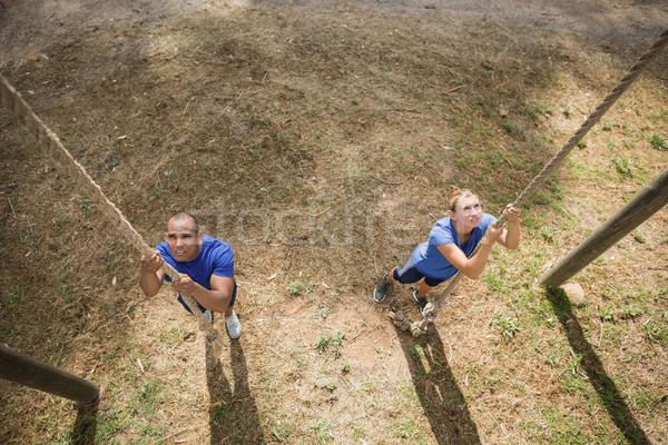 Caber pessoa escalada para baixo corda Foto stock © wavebreak_media