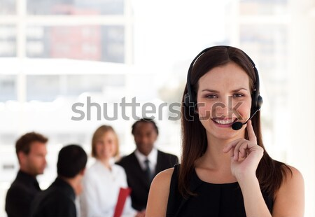 Bájos üzletasszony küldés szöveg fehér nők Stock fotó © wavebreak_media
