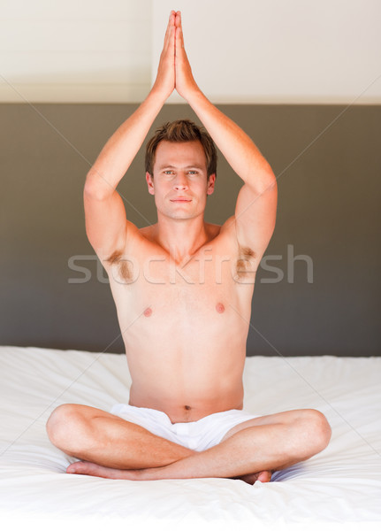 Buda cama atractivo joven deporte Foto stock © wavebreak_media