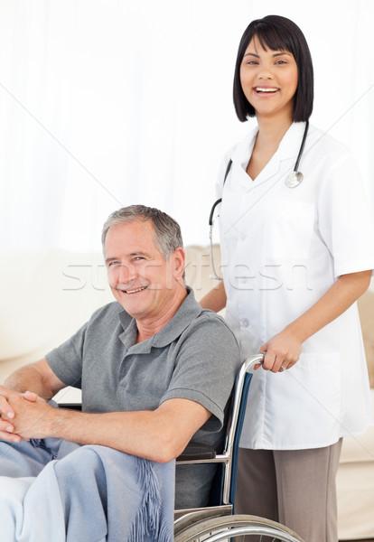 медсестры пациент глядя камеры больницу медицина Сток-фото © wavebreak_media