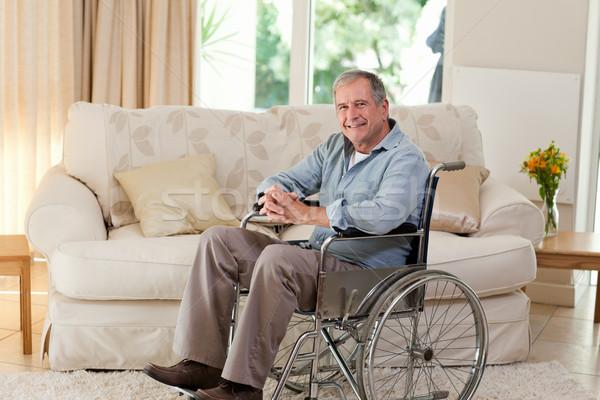 Starszy człowiek wózek domu mężczyzna niepełnosprawnych Zdjęcia stock © wavebreak_media