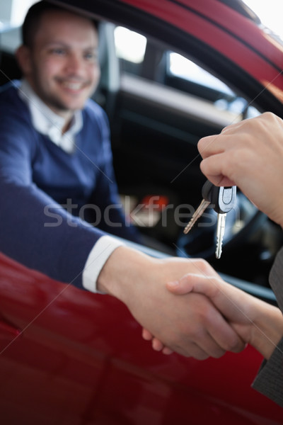 Client clés de voiture garage voiture mains Photo stock © wavebreak_media