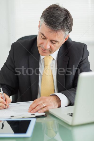 ビジネスマン 書く 帳 表 オフィス コンピュータ ストックフォト © wavebreak_media