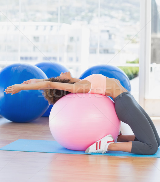 Foto d'archivio: Vista · laterale · montare · donna · fitness · palla