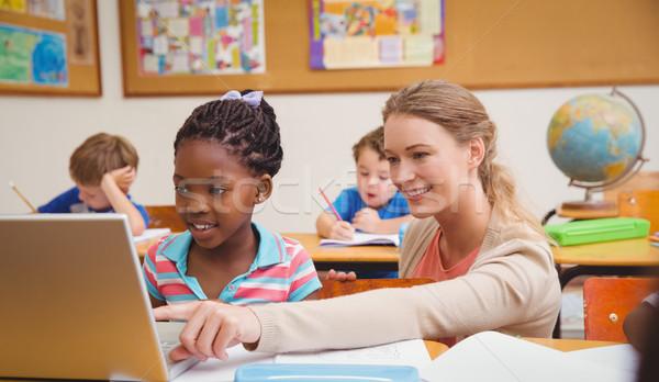 Bonitinho professor escola primária computador escolas Foto stock © wavebreak_media