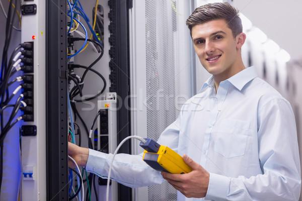 техник улыбаясь камеры сервер большой Сток-фото © wavebreak_media