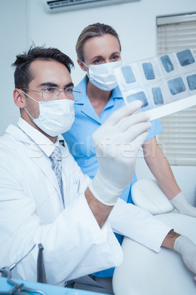 Fogorvosok néz röntgen koncentrált kettő nő Stock fotó © wavebreak_media