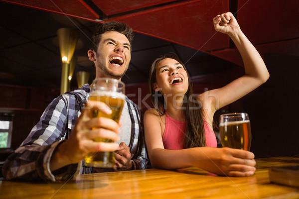 ストックフォト: 幸せ · 友達 · 飲料 · ビール · 一緒に