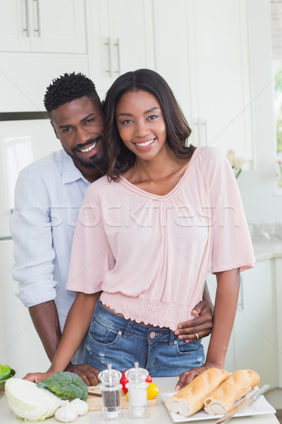 Heureux couple ensemble maison cuisine Photo stock © wavebreak_media