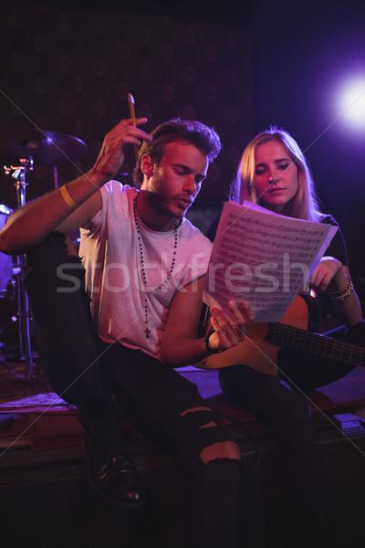 Férfi női zenészek gyakorol zene éjszakai klub Stock fotó © wavebreak_media