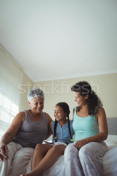 Stok fotoğraf: Mutlu · aile · yatak · oda · ev · çocuk