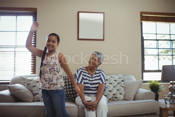 Grootmoeder kleindochter woonkamer home kind Stockfoto © wavebreak_media