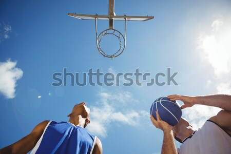 Rechtstreeks beneden shot persoon spelen basketbal Stockfoto © wavebreak_media