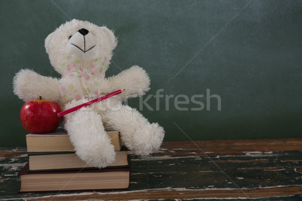 Teddybeer potlood appel boeken Stockfoto © wavebreak_media
