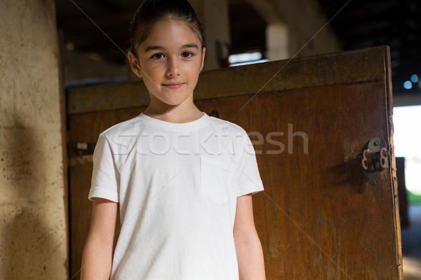 Meisje permanente stabiel portret gelukkig kind Stockfoto © wavebreak_media