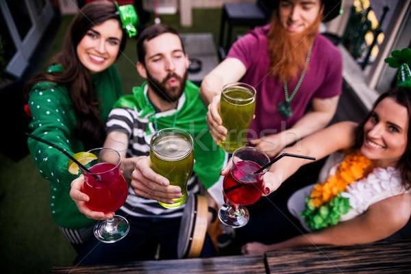 Freunde St Patricks Day Getränke bar Frau Stock foto © wavebreak_media