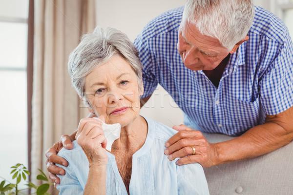 Starszy człowiek mówić zdenerwowany kobieta salon Zdjęcia stock © wavebreak_media