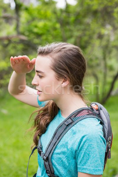 Vrouw iets platteland boom natuur fitness Stockfoto © wavebreak_media