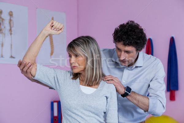Omuz masaj hasta klinik kadın adam Stok fotoğraf © wavebreak_media