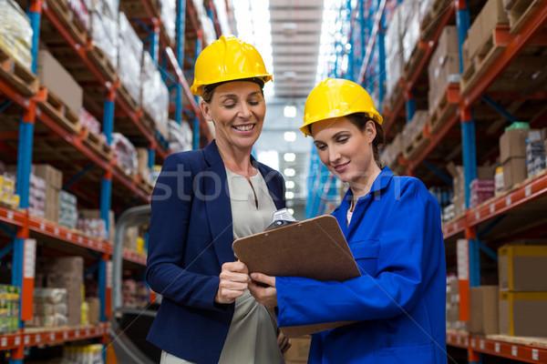 склад менеджера работник буфер обмена женщину Сток-фото © wavebreak_media