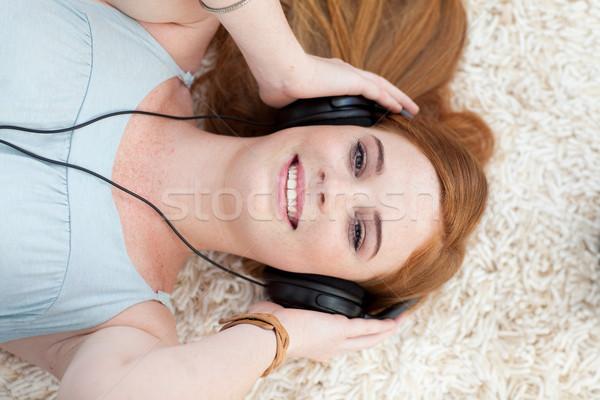 十代の少女 音楽を聴く 階 学生 教育 ストックフォト © wavebreak_media