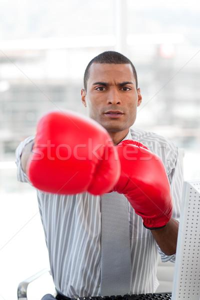 Szuper versenytárs üzletember boxkesztyűk iroda kéz Stock fotó © wavebreak_media