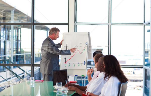 Senior manager uitleggen business plan man Stockfoto © wavebreak_media