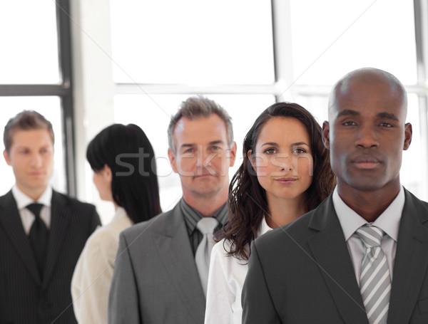 嚴重 業務 領導者 業務團隊 辦公室 會議 商業照片 © wavebreak_media