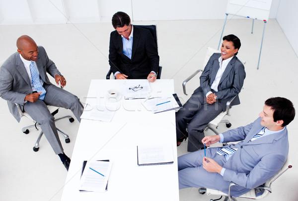 Souriant équipe commerciale réunion affaires homme Photo stock © wavebreak_media