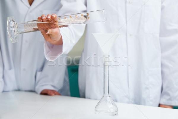 Kadın eller sıvı laboratuvar çalışmak Stok fotoğraf © wavebreak_media