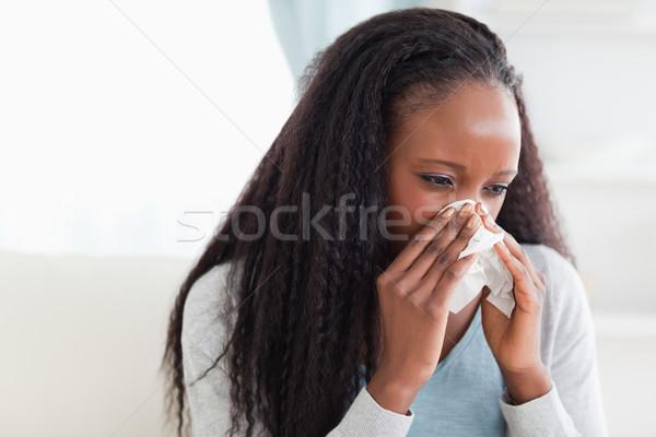 Mulher jovem assoar o nariz doente frio dor de cabeça Foto stock © wavebreak_media