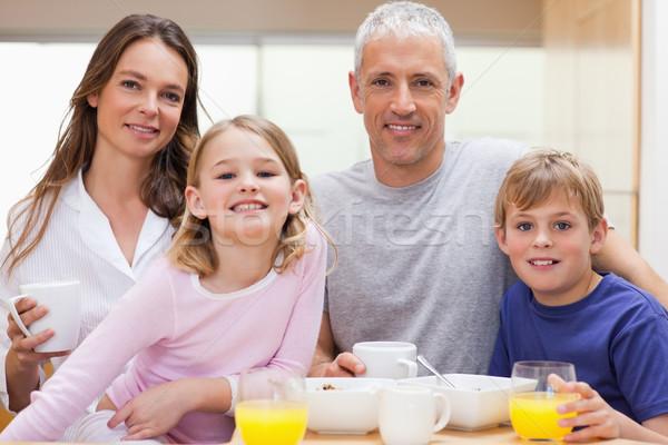 Aile kahvaltı mutfak ev sevmek meyve Stok fotoğraf © wavebreak_media