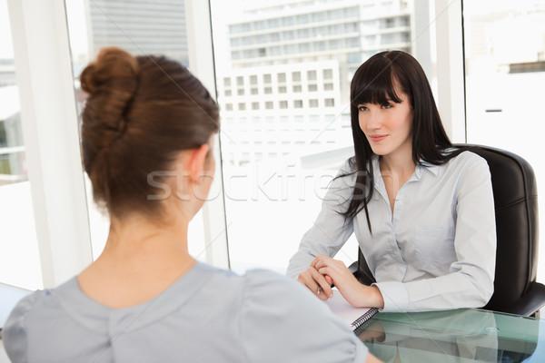 Mulher de negócios sessão secretária perguntas candidato negócio Foto stock © wavebreak_media