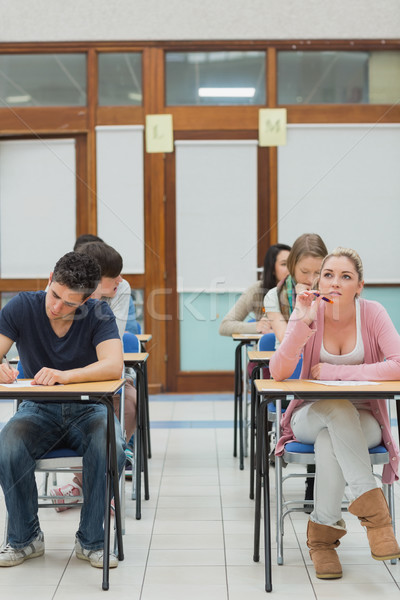 студентов экзамен зале один мышления колледжей Сток-фото © wavebreak_media
